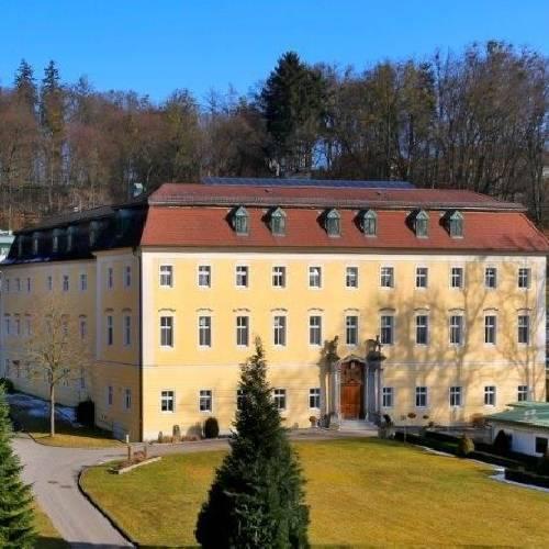 Landespflege- u. Betreuungszentrum Schloss Haus
